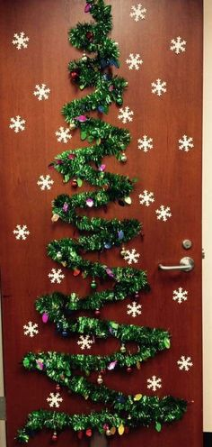 – The post Cute Decorations for your Christmas door – – appeared first on Dekoration. Cute Decorations for your Christmas door – Diy Christmas Door Decorations, Christmas Door Decorating Contest, Christmas Crafts, Christmas Trees, Christmas Decoration For Office, Christmas Classroom Door Decorations, Preschool Door Decorations, Christmas Holidays, Decoration Evenementielle