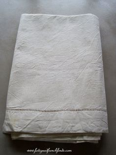Vintage French Metis Linen Sheet Unused Unwashed www.fatiguedfrenchfinds.com Linen Sheets, Bed Linen, Linen Bedding, French Bed, Sleep Well, French Vintage, The Past, Antiques, Unique Jewelry