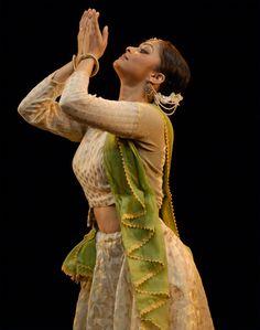 Gauri Diwakar, distinguished Kathak artist. Lucknow gharana.