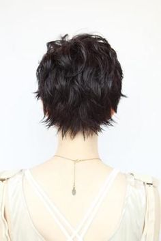 Short Shaggy Hairstyle for Black Hair