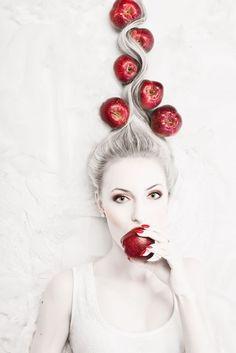 Color is life .life is color Fruit Photography, Portrait Photography, Fashion Photography, Creative Pictures, Creative Portraits, Fruit Shoot, Rose Varieties, Manicure Y Pedicure, Fruit Art