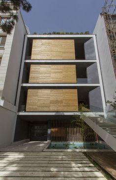 Cômodos deslizantes dão bossa a fachada. Casa em Teerã está sempre em mutação