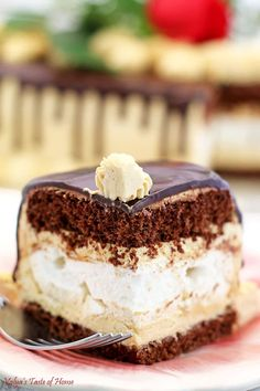 This cake is absolutely incredible! Crunchy meringue layer super soft chocolate sponge cake and light caramel cream. Chocolate Meringue Cake Recipe, Chocolate Sponge Cake, Chocolate Ganache, All You Need Is, Cake Recipes, Dessert Recipes, Yummy Recipes, Cooking Recipes, Homemade Chocolate