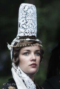 The headdresses of Brittany tradition and pride of a people Photo Bretagne, Celtic Nations, Ethno Style, Costumes Around The World, Celtic Culture, Portraits, Folk Costume, World Of Color, People Of The World