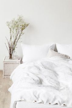 213$US Queen Size White Stone Washed Linen Bed Set by LinenTales