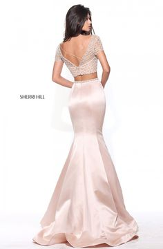Sherri Hill dresses are designer gowns for television and film stars. Find out why her prom dresses and couture dresses are the choice of young Hollywood. Hoco Dresses, Sexy Dresses, Formal Dresses, Banquet Dresses, Pretty Outfits, Pretty Dresses, Prom Dress Couture, Vestidos Sexy, Stunning Dresses