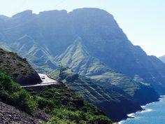 Road Trip sur l'île de Grande Canarie : itinéraire, conseils et bonnes adresses sur le blog voyage Road Trip, Blog Voyage, Trips, Rock Pools, Canary Islands, Canary Birds, North West, Swimming, Spain