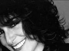 Karla Bonoff 'Someone to Lay down beside me' Karla's version of HER OWN song, first recorded by Linda Ronstadt. This is from Karla's first album, which is self-titled. Karla Bonoff, The Water Is Wide, Bonnie Raitt, Linda Ronstadt, 70s Music, The 5th Of November, Greatest Songs, Great Memories, Female Singers