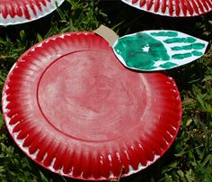 Adorable and simple paper plate apple craft for kids. Perfect for fall and great for little ones of all ages. The handprint makes them a special keepsake!