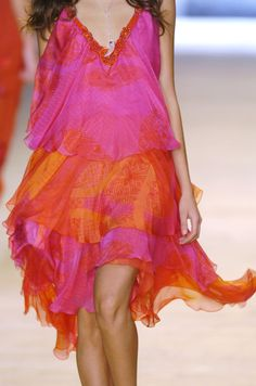 Love everything about this; colors, flowing, chiffon...mmm!