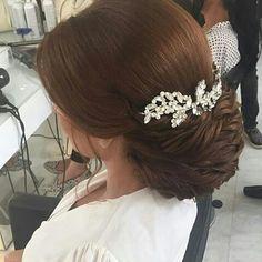 Wedding Hair And Makeup, Wedding Beauty, Bridal Makeup, Bridal Hair, Hair Makeup, Evening Hairstyles, Easy Hairstyles, Wedding Hairstyles, Hair Vine