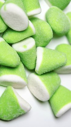 Green Apple Gummy Drops, Food And Drinks, Sink your teeth into these incredibly delicious Green Apple Gummy Drops. Rainbow Candy, Rainbow Food, Food Wallpaper, Green Wallpaper, Aesthetic Colors, Aesthetic Food, Gummy Drop, Candy Background, Candy Photography