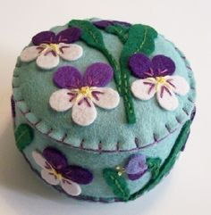 Violet Blue Pincushion ♡ by TheDailyPincushion on Etsy Felt Fabric, Fabric Scraps, Wet Felting, Needle Felting, Felt Pincushions, Woolen Craft, Felt Keychain, Pattern Weights, Sewing Equipment