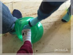 Luftballontanz Inspiring Things, Kindergarten, Kids, Outdoor Games, Young Children, Boys, Children, Kindergartens, Kid