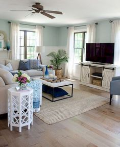 Awesome Farmhouse Living Room Idea (8)
