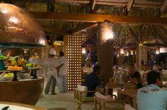Constance Moofushi: Main Restaurant