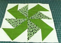 Quilt Block: Yankee Puzzle Quilt Block Tutorial Check out our free tutorial on how to make this quick and easy quilt block. The Yankee Puzzle quilt block can be used in so many different quilting projects. Quilting For Beginners, Sewing Projects For Beginners, Quilting Tutorials, Quilting Projects, Beginner Quilting, Easy Projects, Quilting Ideas, Quilt Block Patterns, Pattern Blocks