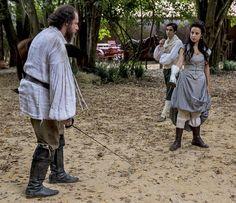Após provocação, Joaquina desfia Malveiro para um duelo (Foto: Ellen Soares/Gshow)