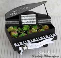 Thought I'd let you check out Ilda's wonderful 3D Grand Piano Box opened up with a surprise inside!  So awesome!   I think it cools to let you see what they are like opened up, just in case you haven't! You can find this file in THANK YOU FOR THE MUSIC SVG KIT!