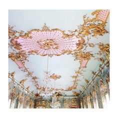Classical renaissance interiors in France Beautiful Architecture, Art And Architecture, Architecture Details, Embroidery Designs, Princess Aesthetic, Sweet Sixteen, Marie Antoinette, Eat Cake, Decoration