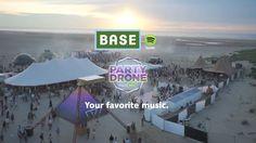 Excelente campaña de Spotify que mezcla música, festival y verano para crear un concepto único. Las personas seleccionaban canciones y un drone los seguía, con el objetivo de escuchar la mejor música. Es una manera de hacer sentir importante al cliente.
