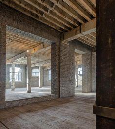 interior raw. old warehouse © Dirk Weiblen