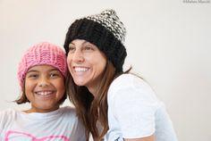 Cappello bianco e nero 100& lana peruviana  di KnitYourself