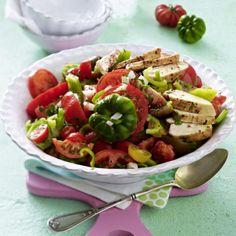 Feuriger Tomatensalat mit Hähnchenfilet