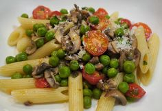 Food Hunter's Guide to Cuisine: Healthy Eating Doesn't Have To Be A Hassle; Penne With Mushrooms, Peas & Cherry Tomatoes & A Circulon Giveaway