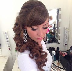 Side swept curls with bangs romantic updo with striking hair Classic Wedding Hair, Romantic Wedding Hair, Wedding Hair And Makeup, Wedding Beauty, Wedding Hair Accessories, Summer Wedding, Bridesmaid Hair Half Up, Best Wedding Hairstyles, 2015 Hairstyles