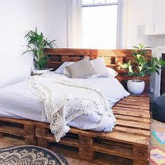 DIY beds made from wooden pallets Ideas with pallets DIY beds from wooden pallets . - DIY beds made from wooden pallets Ideas with pallets DIY beds from wooden pallets Ideas with pallet - Wooden Pallet Beds, Pallet Bed Frames, Diy Pallet Bed, Pallet Furniture, Diy Bed Frame, Pipe Furniture, Pallet Ideas, Pallet Wood, Furniture Ideas