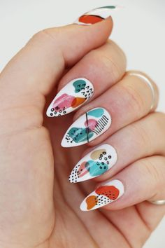 Do you want to create a modern art piece on your nails? Then these nail decals are for you! Nail decals (or nail tattoos) are a super easy and fast way to transform your nails into little pieces of art! Nail Design Stiletto, Nail Design Glitter, Stiletto Nails, Cute Acrylic Nails, Acrylic Nail Designs, Cute Nail Art Designs, New Nail Art Design, Creative Nail Designs, Stylish Nails