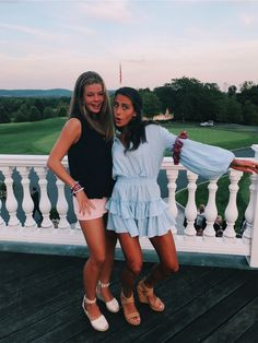 days in the life 🕺🕺 Cute Friend Pictures, Best Friend Photos, Best Friend Goals, Friend Pics, Cute Preppy Outfits, Trendy Outfits, Summer Outfits, Preppy Clothes, Insta Photo Ideas
