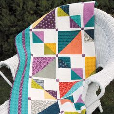Mix It Up: Weekend Fat Quarter Lap Quilt Pattern McCall's Quilting Quilt Book, Man Quilt, Quilting Projects, Quilting Designs, Mccall's Quilting, Quilting Ideas, Machine Quilting, Quilting Tutorials, Sewing Projects