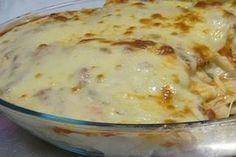 Πέννες στο φούρνο, ψημμένες σε μια αφράτη πικάντικη κρέμα τυριών με 3 λαστιχωτά τυριά που λιώνουν στο στόμα. Μια εύκολη συνταγή (βασική ιδέα, προσαρμοσμένη Greek Recipes, Italian Recipes, Pasta Recipes, Cooking Recipes, Good Food, Yummy Food, Portuguese Recipes, Pasta Dishes, Macaroni And Cheese