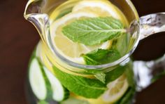 Detox Water: Is it a Magic Concoction!- A detox is a process of releasing the toxins from the body making it more sustainable and clean. we present here for you a few detox magic concoctions. Smoothies Detox, Detox Drinks, Healthy Drinks, Healthy Eating, Healthy Recipes, Healthy Detox, Detox Recipes, Healthy Tips, Drink Recipes