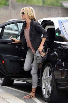Kate Moss-grey cuffed skinnies+ loose tee+ blazer + gladiator flats