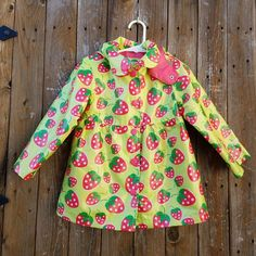 Osh Kosh B'Gosh Toddler Girls Size 3T Strawberries Rain Coat Jacket #OshKoshBgosh #Raincoat #Everyday