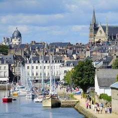 """132 Likes, 10 Comments - Morbihan Tourisme (@morbihantourism) on Instagram: """"Aujourd'hui, le tour de France prend le départ à Vannes à 13h pour la 9e étape ! Venez profiter de…"""""""