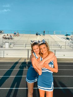 Best Friend Images, Best Friends, Cheer Poses, Friends Image, Cheer Pictures, Cheerleading, Highlights, Cute Outfits, London