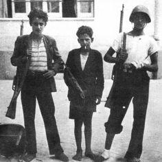 Gennaro Capuozzo - Nato a Napoli nel 1932, caduto il 29 settembre 1943. Medaglia d'Oro al Valor militare alla memoria. Apprendista commesso, fu senza dubbio il più giovane degli insorti napoletani che parteciparono al combattimenti contro i tedeschi nelle quattro giornate del settembre 1943.