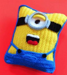 Crochet Minion Pillow Free Pattern All The Best Ideas - - If you are on the hunt for a Crochet Minion Pillow Free Pattern you are in the right place. Our post incluees all the best ideas and there is something for everyone. Crochet Cushion Pattern, Crochet Cushions, Crochet Pillow, Crochet Baby, Free Crochet, Blanket Crochet, Crochet Granny, Minion Crochet Patterns, Knitting Patterns
