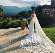 #IFabbrici #barachignon Wedding Dresses, Fashion, Bride Dresses, Moda, Bridal Wedding Dresses, Fashion Styles, Weding Dresses, Dress Wedding, Wedding Dressses