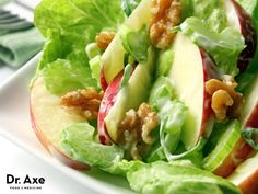 This page contains Waldorf salad recipes. Originally served and named for a New York hotel, this salad usually contains apples, walnuts, celery, and mayonnaise. Healthy Snacks, Healthy Eating, Healthy Recipes, Healthy Soup, Apple Recipes, Waldorf Salad Recipe Healthy, Dressing Recipe, Honey Dressing, Peanut Dressing