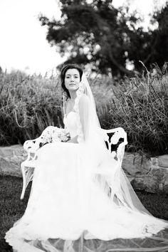 elegant bride, photography by Jessica Lewis
