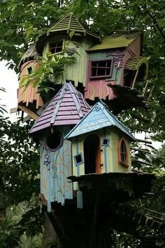 Today I have for you some gorgeous and unique birdhouse designs, which will make your yard wonderful and will help you to take care of your birds in the same time. Dream Garden, Home And Garden, Jardin Decor, Birdhouse Designs, Birdhouse Ideas, Unique Birdhouses, Outdoor Living, Outdoor Decor, Fairy Houses