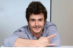 Miki ('OT 2018'), ¿favorito para Eurovisión?- RevistaDiezminu Actors, Teachers, Video Clip, Backgrounds, Hair, Blue Prints, Actor