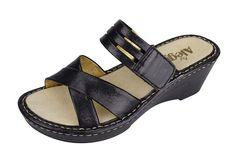 Alegria Leila Black Crackle Sandal - now on closeout! | Alegria Shoe Shop #alegriashoes