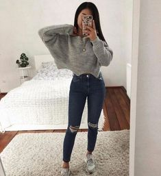 Luxury fashion and clock shops - # . - Fashion Trends for Girls and Teens Simple Outfits For School, Cute Casual Outfits, Stylish Outfits, Winter Outfits, Rosa Jeans, Look Fashion, Fashion Outfits, Luxury Fashion, Winter Fashion