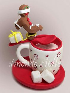 Dead (Gingerbread) Man Walking great idea for xmas cake as teacup Christmas Themed Cake, Christmas Cake Designs, Christmas Cake Pops, Christmas Cake Decorations, Holiday Cakes, Holiday Desserts, Christmas Ideas, Anti Gravity Cake, Gravity Defying Cake